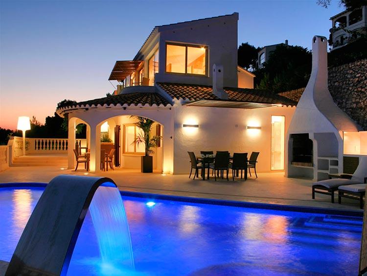 Property Rental Villa Night
